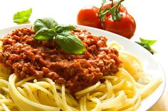 How to make bolognese sauce without meat. Bolognese sauce is used very frequently to accompany pasta. It is a sauce with a thick consistency and a characteristic red colour produced by. Healthy Gluten Free Recipes, Fodmap Recipes, Fodmap Diet, Low Fodmap, Italian Dishes, Italian Recipes, Italian Pasta, Healthy Spaghetti Bolognese, Spaghetti Squash