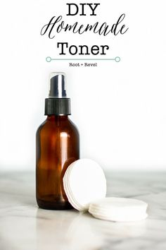 DIY Masque : Description Avoid toxic chemicals and save money with this super quick and easy DIY Homemade Toner. With just 3 ingredients you can soothe, clean and refresh your skin. Homemade Toner, Homemade Skin Care, Diy Skin Care, Homemade Beauty, Homemade Products, Homemade Soaps, Beauty Box, Hair Beauty, Diy Beauté