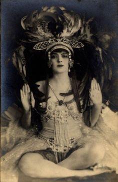 Serafina Astafieva - c. 1910 - Russian dancer and ballet teacher / Vintage Movement Vintage Photos Women, Vintage Photographs, Vintage Images, Vintage Ladies, Vintage Pictures, Ballet Russe, Vintage Dance, Rachel Brice, Markova