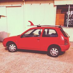 The red rocket never looked so good. Now off for a paddle. Thank you @cut_lap and @thomassurfboards