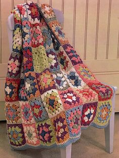 Transcendent Crochet a Solid Granny Square Ideas. Inconceivable Crochet a Solid Granny Square Ideas. Crochet Afgans, Crochet Quilt, Crochet Blocks, Crochet Home, Knit Crochet, Granny Square Crochet Pattern, Crochet Squares, Crochet Blanket Patterns, Crochet Granny