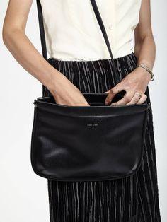 Black Ohara Purse found on Zady - www.zady.com/products/matt-nat-black-ohara-purse - via @zadypins #zady #style #fashion #matt&nat