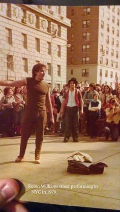Street performer Robin Williams 1979. robin williams