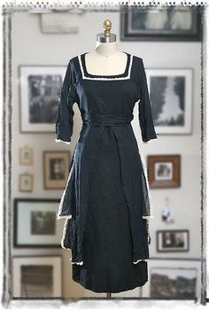 Ivey Abitz 2009 Women's Summer Collection - cotton voile over dress with linen under dress.