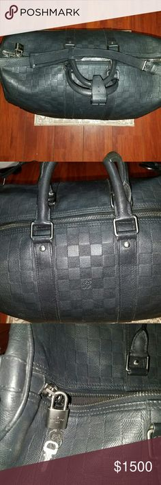 Louis vuitton keepall 45 Damier travel bag Black duffel bag w shoulder strap lock and key Louis Vuitton Bags Travel Bags