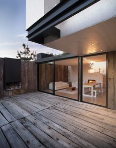 Architecture - M House by Juan Pablo Merino Style At Home, Residential Architecture, Interior Architecture, Installation Architecture, Exterior Design, Interior And Exterior, Future House, My House, Home Fashion