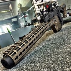 Kriss Vector extended barrel miss you u ok to shoot big guns Military Weapons, Weapons Guns, Airsoft Guns, Guns And Ammo, Kriss Vector, Vector Vector, Winchester, Submachine Gun, Custom Guns