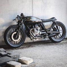 """3,647 curtidas, 9 comentários - Blacklist Lifestyle   Cars (@black_list) no Instagram: """"Moto Guzzi V50 by @relicmotorcycles   #blacklist #motoguzzi #v50 #relicmotorcycles"""""""