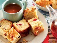 Cherry Pecan Buttermilk Rusks Makes about 52 Preparation time: 30 min . Buttermilk Rusks, Rusk Recipe, Hard Bread, Yummy Treats, Sweet Treats, Healthy Breakfast Snacks, Breakfast Recipes, All Bran, Pecan Nuts