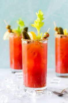 Bloody Caesar Cocktail | Similar to a Bloody Mary, this classic Canadian drink is made with Clamato juice (rather than tomato), vodka, Worcestershire sauce, and hot sauce. Garnish with celery salt, citrus and a celery stalk. #caesar #cocktail Caesar Drink, Caesar Cocktail, Canadian Drinks, Clam Sauce, Vodka Drinks, Tomato Juice, Worcestershire Sauce, Classic Cocktails, Italian Dishes