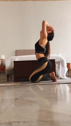 The actual power yoga? Do this series from yoga instructor and Morning Yoga Flow, Morning Yoga Routine, Yoga Fitness, Videos Yoga, Workout Videos, Como Praticar Yoga, Yoga Bewegungen, Yoga Sculpt, Yoga Exercises