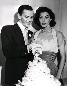 For her November 1961 wedding to Frank Sinatra, Ava Gardner wore a halterneck dress with a sheer shawl in the signature Fontana va-va-voom style. Famous Wedding Dresses, Celebrity Wedding Dresses, Wedding Dress Pictures, Celebrity Weddings, Iconic Dresses, Hollywood Couples, Celebrity Couples, Hollywood Glamour, Old Hollywood