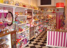 Hhhmmm, a Candy Boutique. Clever!