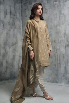 Beautiful blue cotton net 3 piece ready to wear dress by Nida Azwer party pret collection 2018 Pakistani Fashion Party Wear, Pakistani Dresses Casual, Pakistani Dress Design, Fancy Dress Design, Stylish Dress Designs, Stylish Dresses, Dress Indian Style, Indian Dresses, Indian Outfits