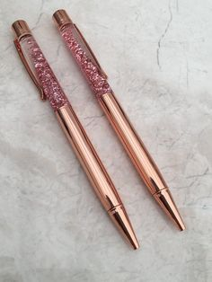 Rose gold glitter pen. These pens are a great addition to all planners, desks and even your office space. They also make the perfect gifts for anyone or any occasion. All pens write in black ink. All pens are sold separately. Want to add a little extra to your pens? Why not add a