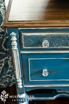 Love the blue paint.