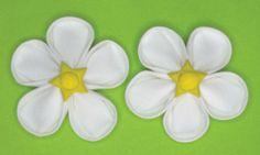 Folded Fabric Flower - Strawberry Flowers at FoldingFlowers.com Kanzashi Flowers, Flower Petals, Strawberry Flower, Kanzashi Tutorial, Fabric Flowers, Tutorials, Floral, Jewelry, Jewellery Making