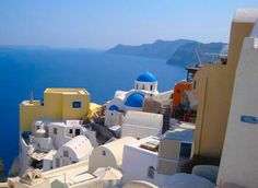 Greece Travel Suggested Itinerary: Popular Greek Islands and Athens for First Time Travelers to Greece