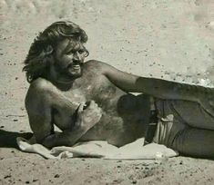 Robin Pictures, The Quarrymen, Barry Gibb, Barry Manilow, Tiger Beat, Wild Hair, Hairy Chest, Types Of Music, Most Beautiful Man
