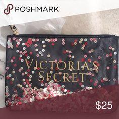 GLITTER MOVING!VICTORIA'S SECRET POUCH  💗🙌🏻 POUCH PINK Victoria's Secret Bags Wallets