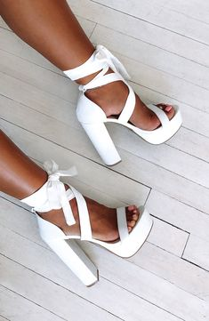 shoes Danica Block Heels - White – Babyboo Fashion Who's Who on the Bridal Shower Guest List When ge Cute Shoes Heels, Cute High Heels, Fancy Shoes, Classy Heels, Jeans Heels, Pretty Shoes, Casual Shoes, Shoes Sneakers, White Block Heels