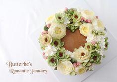 #잉글리쉬로즈 #헬레보루스 #englishrose #helleborus #flowercake #flower #buttercream #buttercreamcake #cupcake #cake #buttercake #dessert #korea #koreanflowercake #instafood #koreanstyle #cakedecorating #patisserie #art #instagram #foodstagram #flowerarrangement #flowers #花