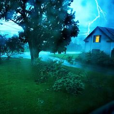 Storm Survival Guide --Protect your family when the wind starts blowing, the waters start rising, and your house goes dark.