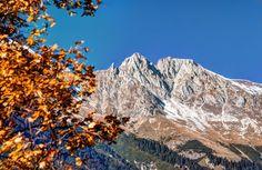Frau Hitt wacht über das herbstliche Innsbruck. Innsbruck, All Pictures, Austria, Mount Everest, Mountains, Nature, Travel, Pictures, Getting Older