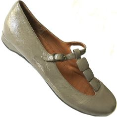CHIE MIHARA Flat T-Strap Patent Leather Grey T-Bar Ballet Mary Jane Lumi 38 8 #ChieMihara #MaryJanes #WeartoWork