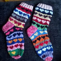 Knitting Socks, Knitting Ideas, Drops Design, Mittens, Projects To Try, Super Cute, Knits, Pattern, Border Tiles