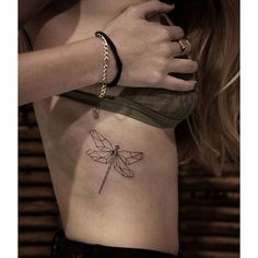 By Katya Bariudin Bizzart Studio Jerusalem #dragonfly #katyabariudin #geometric #tattoo