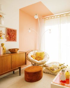 8 Best Colors to Mix With Pink for Incredible Room Decoration - Talkdecor : 8 Best Colors to Mix With Pink for Incredible Room Decoration Design Interior Rugs, Interior Design, Orange Rooms, Bedroom Decor, Wall Decor, Bedroom Wall, Orange Interior, Ceiling Design, Ceiling Ideas