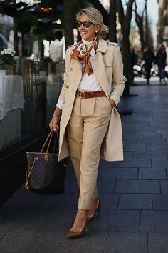 Smart Casual Outfit, Casual Work Outfits, Classy Outfits, Chic Outfits, Over 50 Womens Fashion, 50 Fashion, Fashion Outfits, Clothes For Women Over 50, Pants For Women