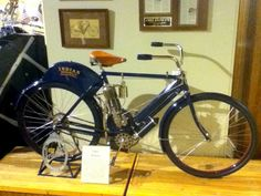 This 1903 Indian motorcycle was one of the first bikesto carrythe Indian name. The Hendee Mfg. Co. of Springfield, Mass.,built the first Indian motorcylein 1903. These earlymotorcycles, as Indian originally coined its pioneering machines, were actuallybicycles withsingle-cylinder engines boltedonto the diamond frames. George Hendee was a high-wheel bicycle racing champion, and the Indian motorcyles were created to pace bicycle races.