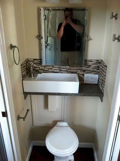 Amazing tiny house bathroom shower ideas (38)