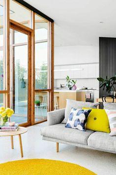 Stunning wohnzimmer einrichten wohnzimmer gestalten wohnideen wohnzimmer design wohnzimmer gelber teppich
