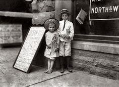 Norfolk Virginia kids sell newspapers 5 yr Newsie child labor 1911 reprint 5 x 7