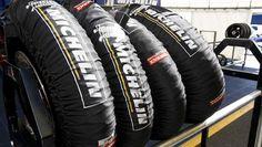 È risaputo, le moto da corsa sono soggette ad una grande pressione se non si equipaggiano le motoGp con degli pneumatici adatti si rischia di compromettere