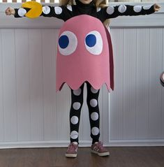 DIY Pinky (the pink ghost) from Pac-Man costume tutorial