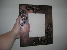 DIY Tutorial DIY Picture Frames / DIY Antique-looking picture frame - Bead&Cord