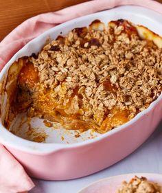 Vegán sárgabarackos crumble recept | Street Kitchen Green Kitchen, Quesadilla, Superfood, Granola, Oatmeal, Gluten, Vegan, Dining, Breakfast