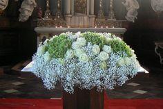 Feesten en speciale gelegenheden - Olivier Petillion - Florale vormgeving Church Flowers, Big Flowers, Gypsophila, Shade Plants, Begonia, Casket, Kirchen, Shade Garden, Garden Styles