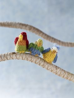 "Parrot - Free Knitting Pattern - PDF Format - Click ""download"" here: http://www.ravelry.com/patterns/library/parrot-7"