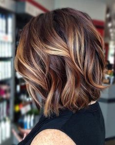 Balayage Hair Caramel, Brown Hair Balayage, Caramel Hair, Brunette Color, Brunette Hair, Brunette Balayage Hair Short, Brown Hair With Blonde Highlights, Red Highlights, Chunky Highlights
