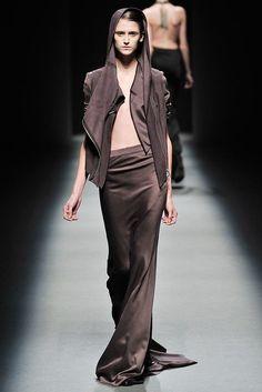 Haider Ackermann Fall 2009 Ready-to-Wear Fashion Show - Daiane Conterato (Elite)