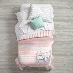 Early Edition Bedding (Cat)  | The Land of Nod