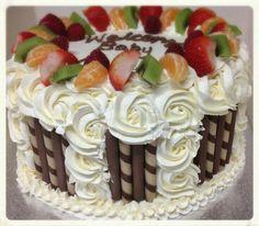 New Cake Fruit Decoration Frosting Recipes 38 Ideas Frosting Recipes, Cake Recipes, Dessert Recipes, Cake Icing, Buttercream Cake, Icing Frosting, Cake Fondant, Food Cakes, Cupcake Cakes