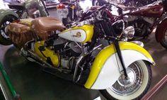 Sweet Yellow/White '46 Indian Chief m/c