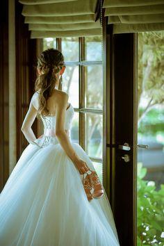 結婚式の花嫁髪型<2018年最新版>ヘアスタイル別アレンジ画像まとめ   みんなのウェディングニュース