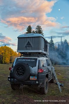 Toyota FJ Cruiser with Roof Top Tent at Medicine Lake Campsite in La Sal Mountains, Utah Fj Cruiser Off Road, Fj Cruiser Mods, Overland Trailer, Expedition Trailer, Toyota Trucks, 4x4 Trucks, Ford Trucks, Top Tents, Roof Top Tent